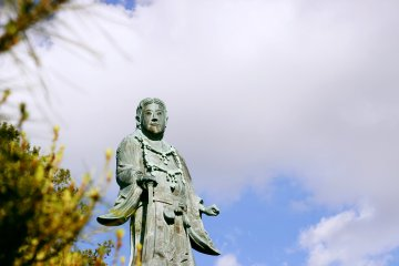 <p>A statue of Yamato Takeru, a Japanese mythological hero</p>