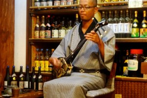 You'll be treated to sanshin music and Ishigaki traditional dances nightly between 18:30 and 20:30