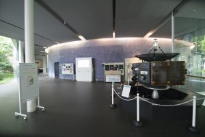 In commeration of Sagamihara City's role in the successful launch and recovery of the Hayabusa spacecraft, this section of the Museum is dedicated to the theme of Aerospace Exploration.