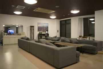 <p>Oakhouse: Social Residence 里最自豪,也最多人共用的无非是1层的用餐/厨房/休闲室了</p>