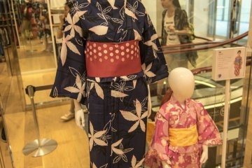 <p>2F : UNIQLO sells yukata? Yes indeed, for a limited time only this summer, UNIQLO has created these deceptively formal but easy to wear yukata.</p>