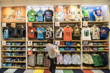 <p>7F : Check out all the colours. UNIQLO is known for its wide range of colours in all its clothes, but nothing beats children&#39;s apparel in that respect.</p>