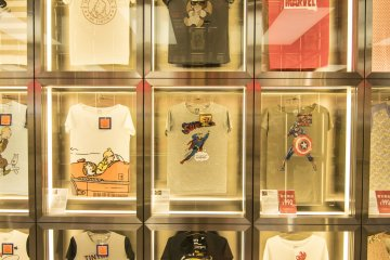 <p>11F : Marvel, DC and Tintin. The biggest comic series from all over the world, available here in UNIQLO.&nbsp;</p>