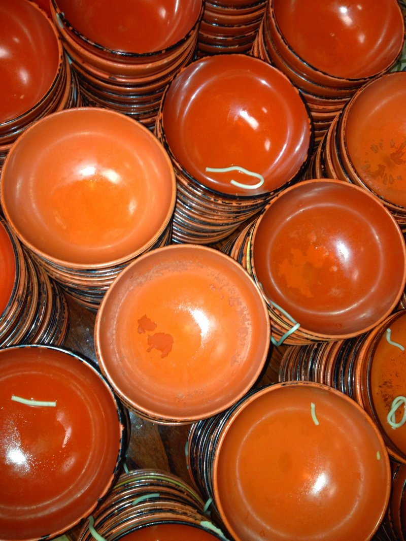 <p>Stacks of empty bowls will taunt you as you eat.</p>