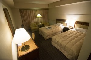 The twin room in Grand Hotel Hamamatsu. Interiors areluxurious and clean,and those beds aresuper comfortable.