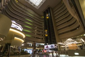 The spacious and majestic hotel plaza.