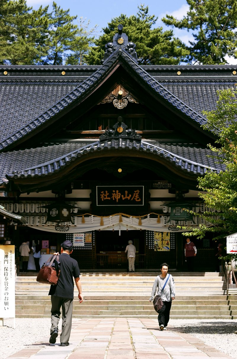 <p>The main body of the shrine, a very beautiful sight.</p>