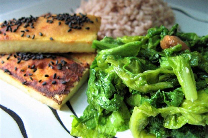 Braised Mizuna and Tofu Dengaku with Rose Matta Rice