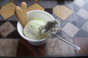 Pistachio ice-cream with a taste of black sesame