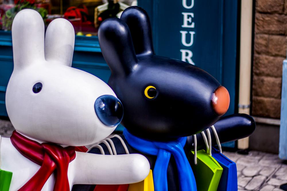 Hai chú chó hư cấu trong series sách của trẻ em, Gaspard và Lisa, rất nổi tiếng và được yêu quý ở Nhật Bản.