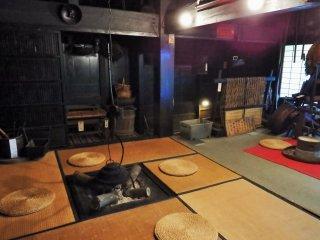 Музей открыт круглый год с 8 утра до 5 вечера (с марта по октябрь - до 6). Гости всегда могут присесть и расслабиться у очага.