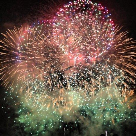 Kanagawa Shimbun Fireworks Festival 2012