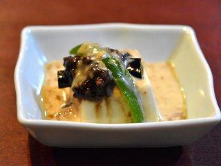 Tofu com molho de sésamo