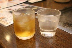 Юдзу умесю и стакан холодной воды