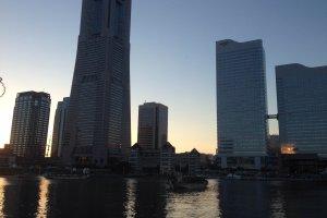 랜드마크 타워와 주변 풍경