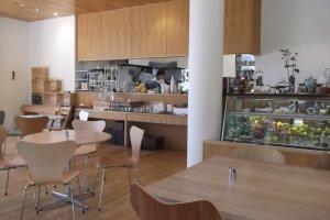 Ruang dalam kafe
