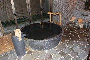 <p>The private/family cauldron bath</p>