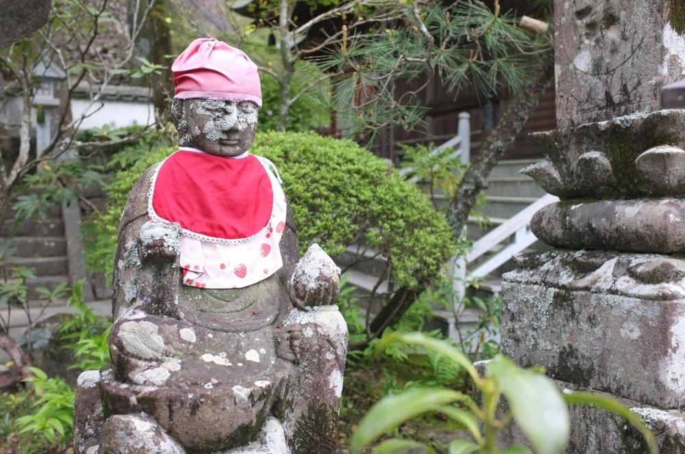 Ojizo-san: Kshitigarbha