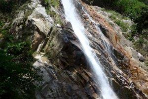 Водопад Аотаки стоит увидеть!