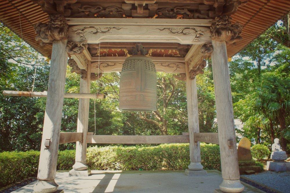 Lonceng di Hosen-ji