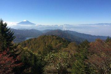 ภูเขาฟูจิในฤดูใบไม้ร่วง