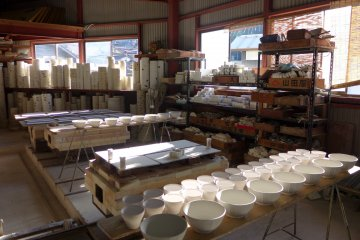 <p>Unfinished pottery</p>