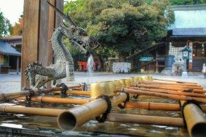 Đài phun nước hình rồng