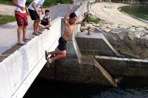 Fun at Kamoike Beach