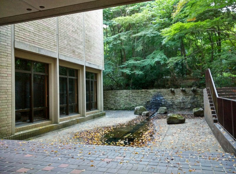 <p>An inner courtyard on the ground floor of the Museum of Graphic Arts</p>