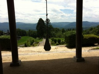 Ring the bell at Gion-ji Temple surely no-one can hear for miles around