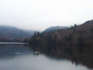 ยุโนะโกะเป็นทะเลสาบที่เงียบสงบในนิกโกะ