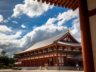The daikodo or lecture hall of Yakushiji Temple