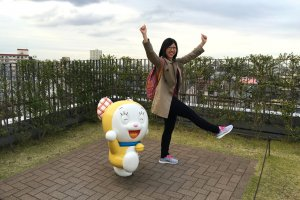 Even Doraemon's sister is there.
