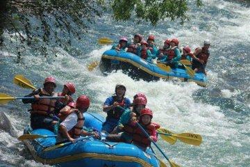 Rafting on the Shiribeshi River