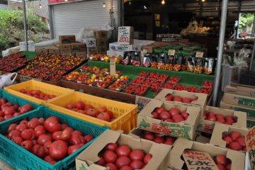 A Niseko farmer's market