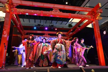 <p>Haneda Airport&#39;s New Year&#39;s Festival is a perfect place to ring in 2016</p>