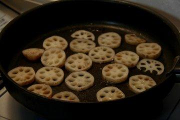 <p>Renkon frying away</p>