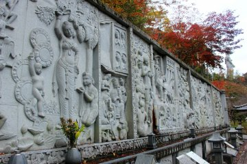 <p>The bas-relief wall recounting the story of the Buddha.</p>