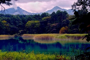 磐梯山和火山池