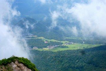 <p>หนึ่งในลานสกีจำนวนมากของไดเซนที่อยู่นอกหมู่เมฆ</p>