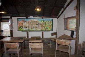 มุมหนึ่งในโอยะโอยะ คาเฟ่ มอนเปมารุเกะ (Oyaoya Café Monpemaruke) ที่ชวนหวนรำลึกถึงอดีตวัยประถม
