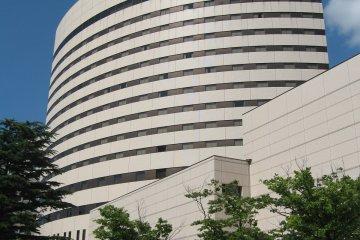 ภายนอกโรงแรม ANA Crowne Plaza ในนิอิกะตะ