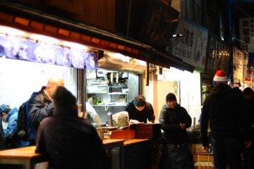 <p>Early morning diners at Chuka Soba Inoue</p>