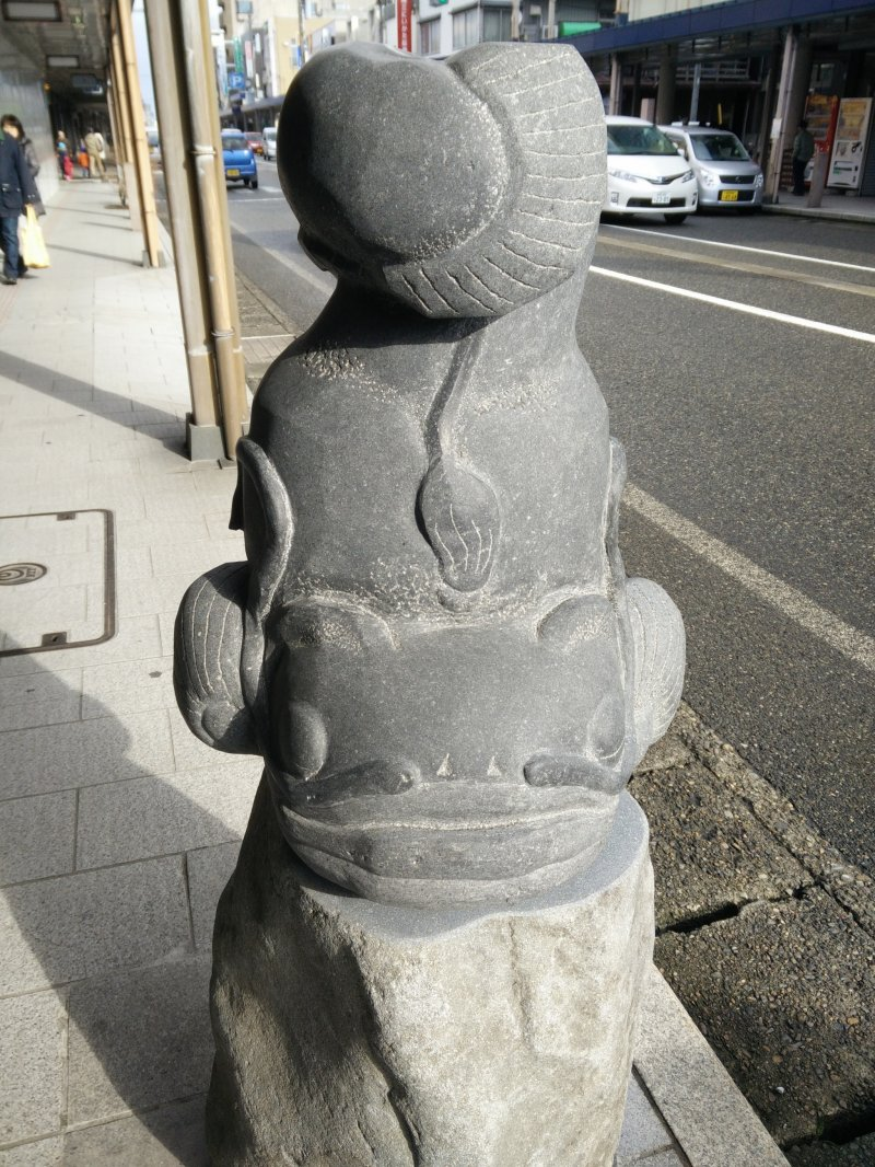 <p>Sculptures in the main street in Tokamachi</p>