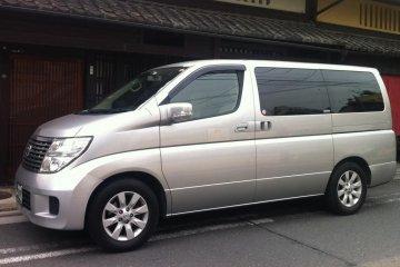 Luxury Limosine Van for Six Passengers