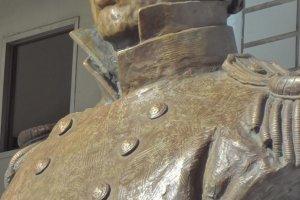 ペリー記念館前のペリーの銅像