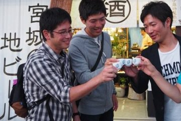 <p>Sake is also popular at the festival</p>