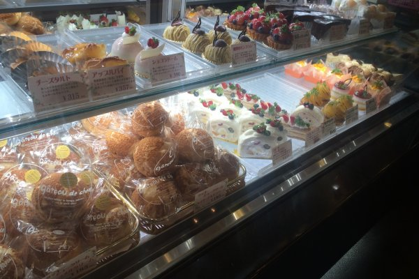 The display of freshly made pastries.