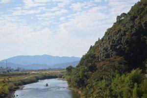 Aliran sungai yang dilewati jalur kereta