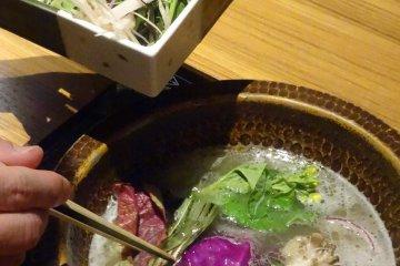 Nasuno's unique vegetable shabu shabu